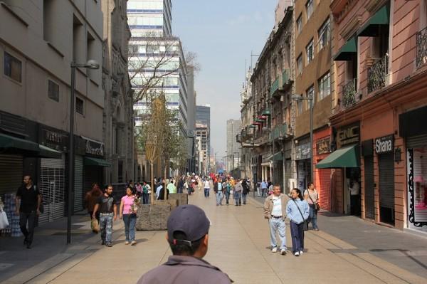 Мехико улица Модеро